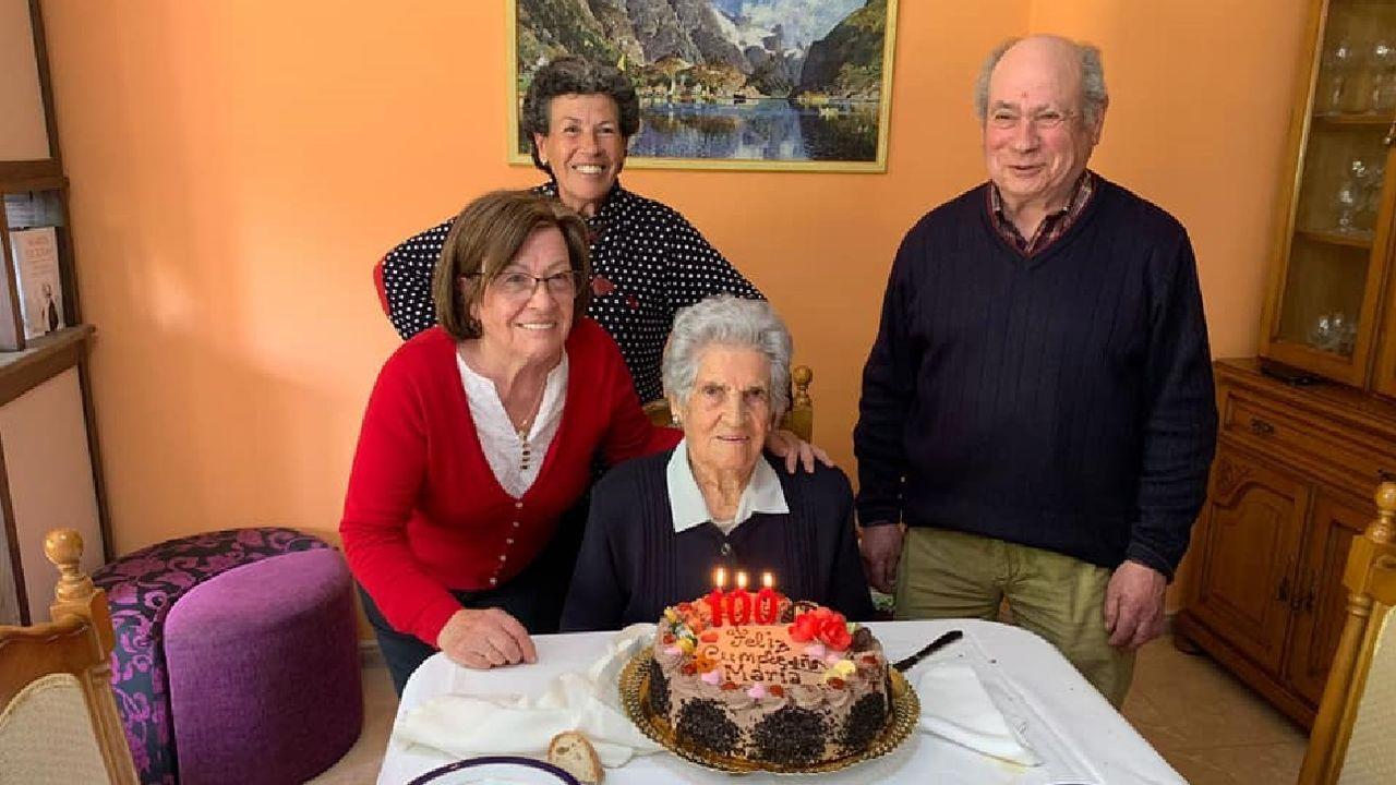 María Pérez Arias celebró su cumpleaños en compaña de sus familiares