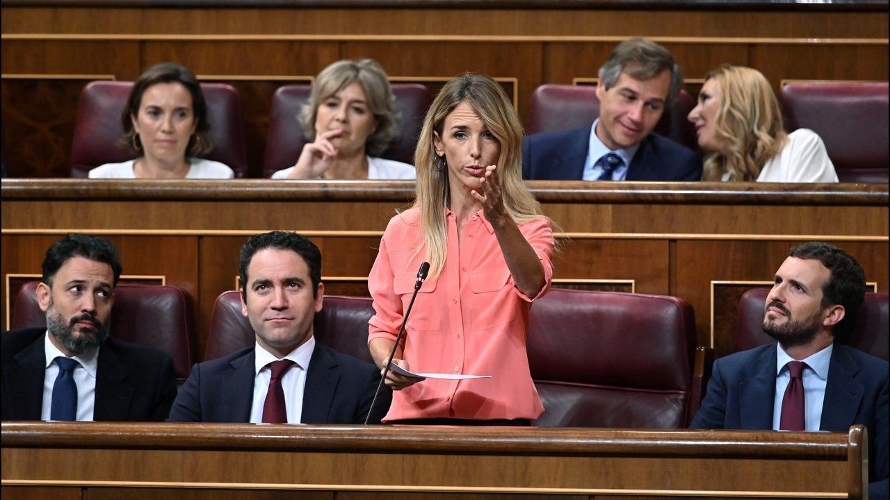 La portavoz del PP, Cayetana Álvarez de Toledo, se empleó a fondo contra el PSOE