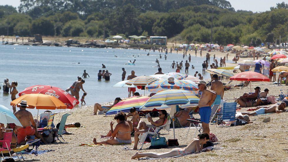 Playa de Retorta, en Boiro.Playa de O Bao, en Illa de Arousa