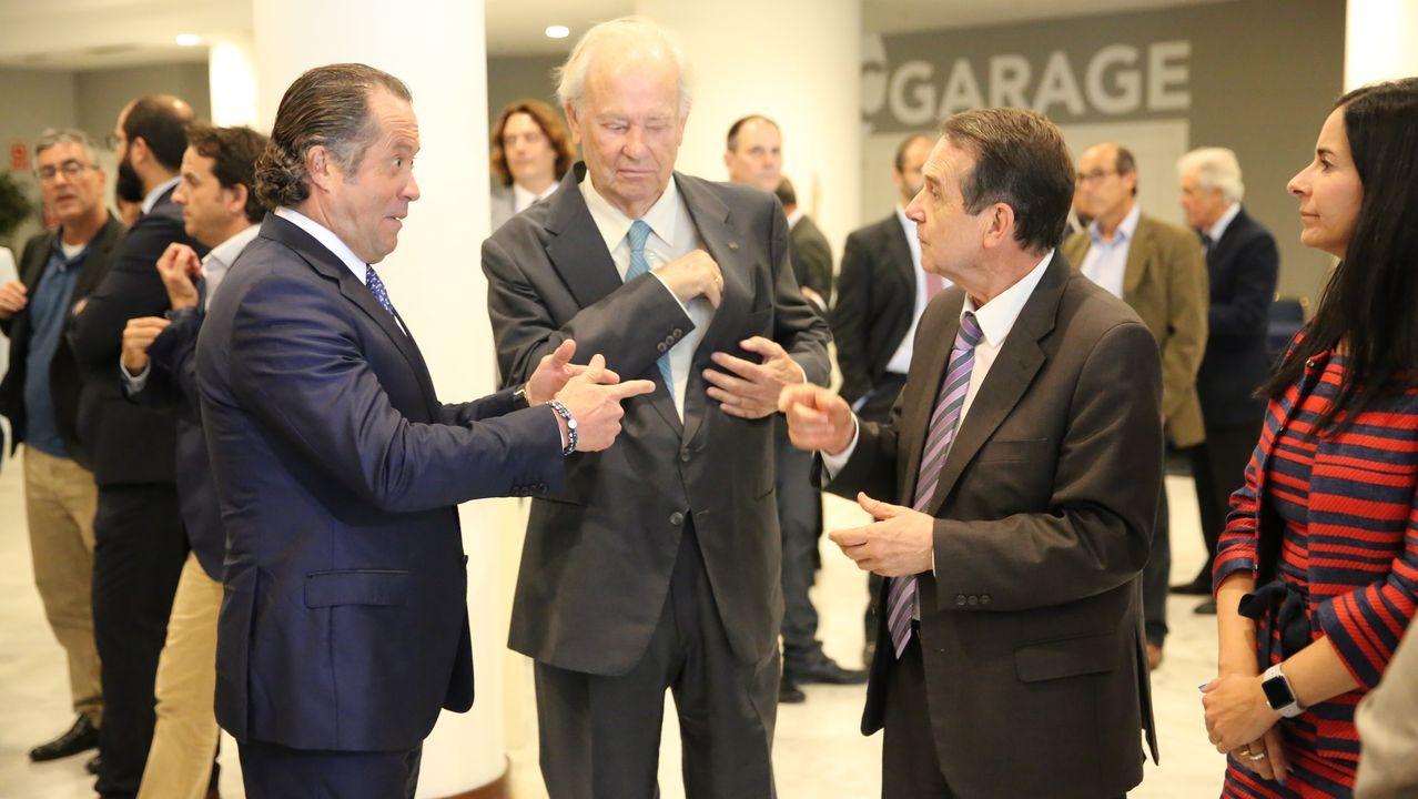 Juan Carlos Escotet, presidente de Abanca, durante su intervención en el claustro del Colegio del Cardenal
