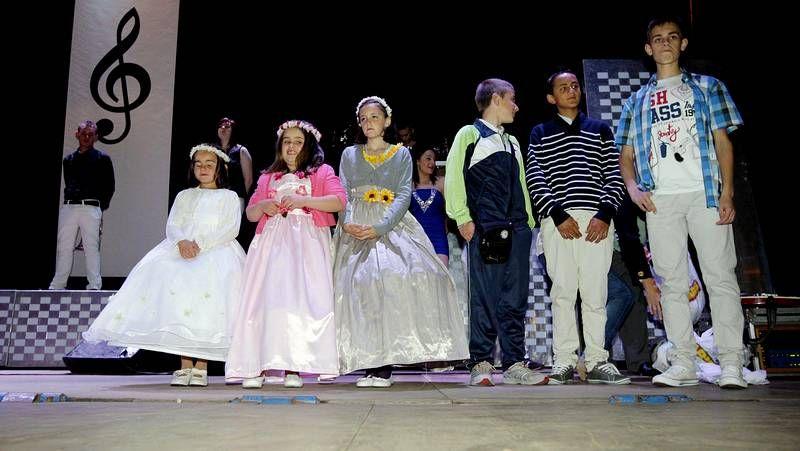 Concurrida procesión en honor de la Virgen del Carmen en Ribeira