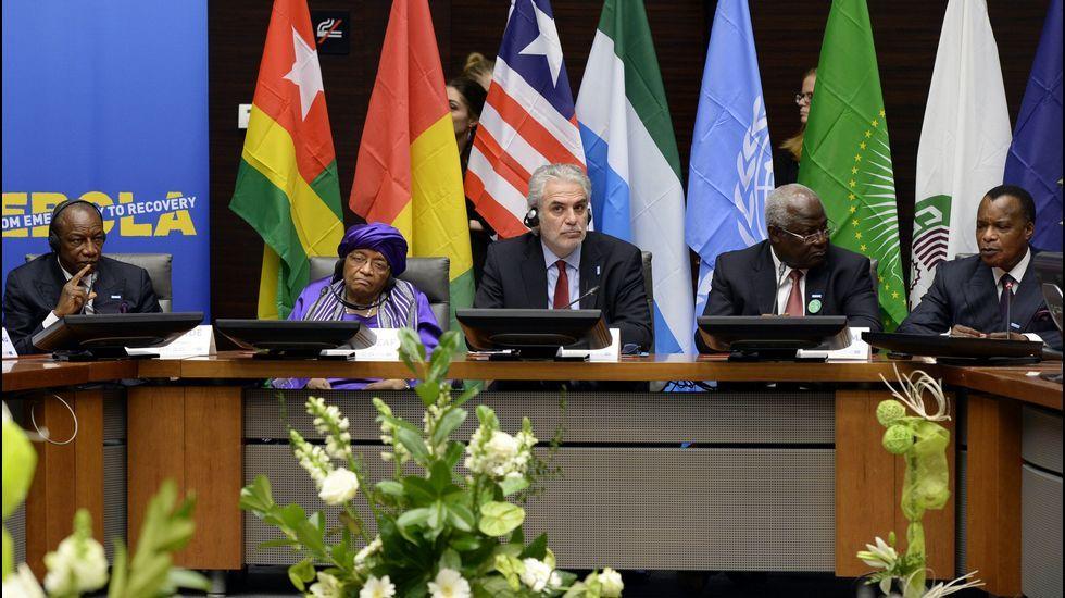 El «Thunder» se hunde.Los presidentes de Liberia, Sierra Leona y Guinea