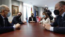 Secundino Fernández, paciente con insuficiencia cardíaca avanzada, en su casa de Mera-Oleiros (A Coruña)