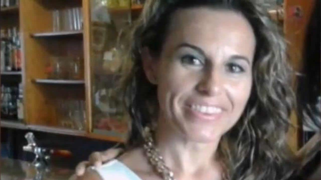 Detenido un hombre como presunto culpable de la desaparición de Manuela Chavero.Un agente de la Guardia Civil custodia la vivienda de Eugenio D. H. detenido por el presunto asesinato de Manuela Chavero