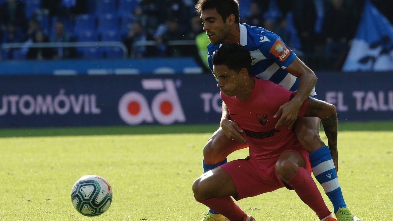 Ibra SadikuMalaga Real Oviedo La Rosaleda.Afición del Real Oviedo celebrando el empate de Obeng en Riazor
