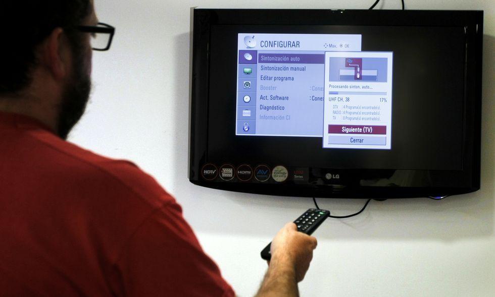 La colocación de un filtro en la antena es el único remedio para recuperar la señal de la televisión.