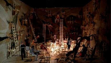 Anuncio de los MTV EMA 2013.Maqueta con el «montaje especulativo» que preparó Ana Inés Jabares Pita para «Pierrot Lunaire», de Arnold Schoenberg.