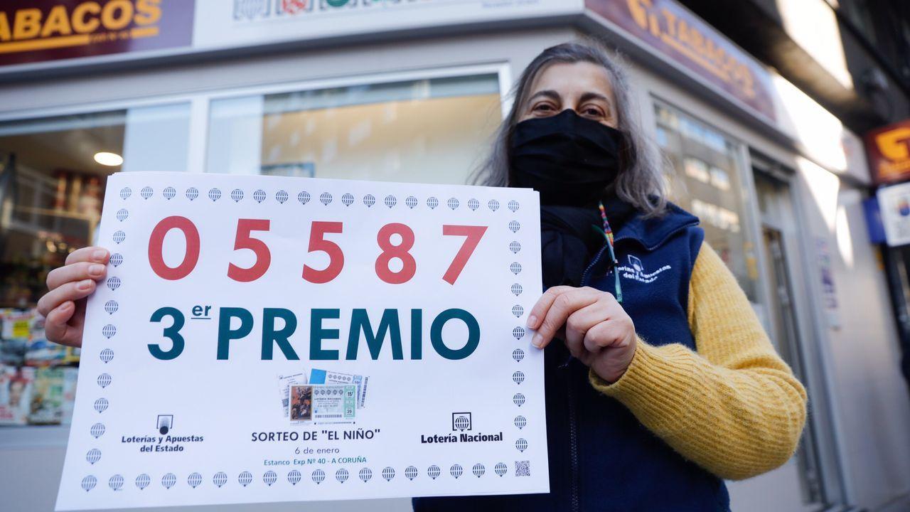 Un tercer premio se vendió en A Coruña.Jacobo, lotero de Tomiño que vendió 4 décimos del primer premio del sorteo del niño