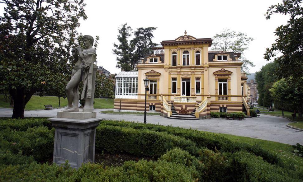 Villa Magdalena.El alcalde de Aller, David Moreno