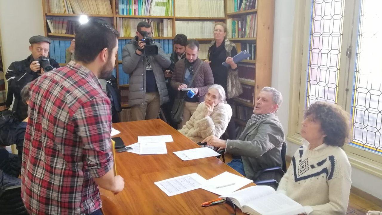 Rubén Rosón en una reunión con miembros de la Fundación Gustavo Bueno