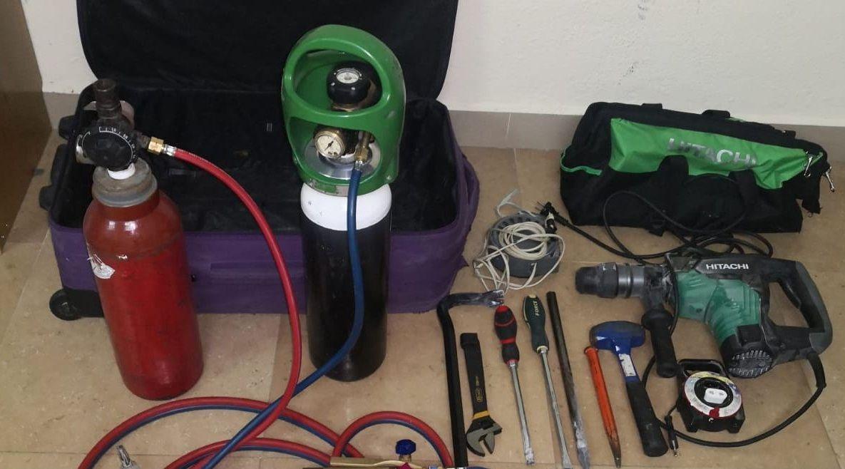 Herramientas usadas para abrir la caja fuerte del Concello de Verín