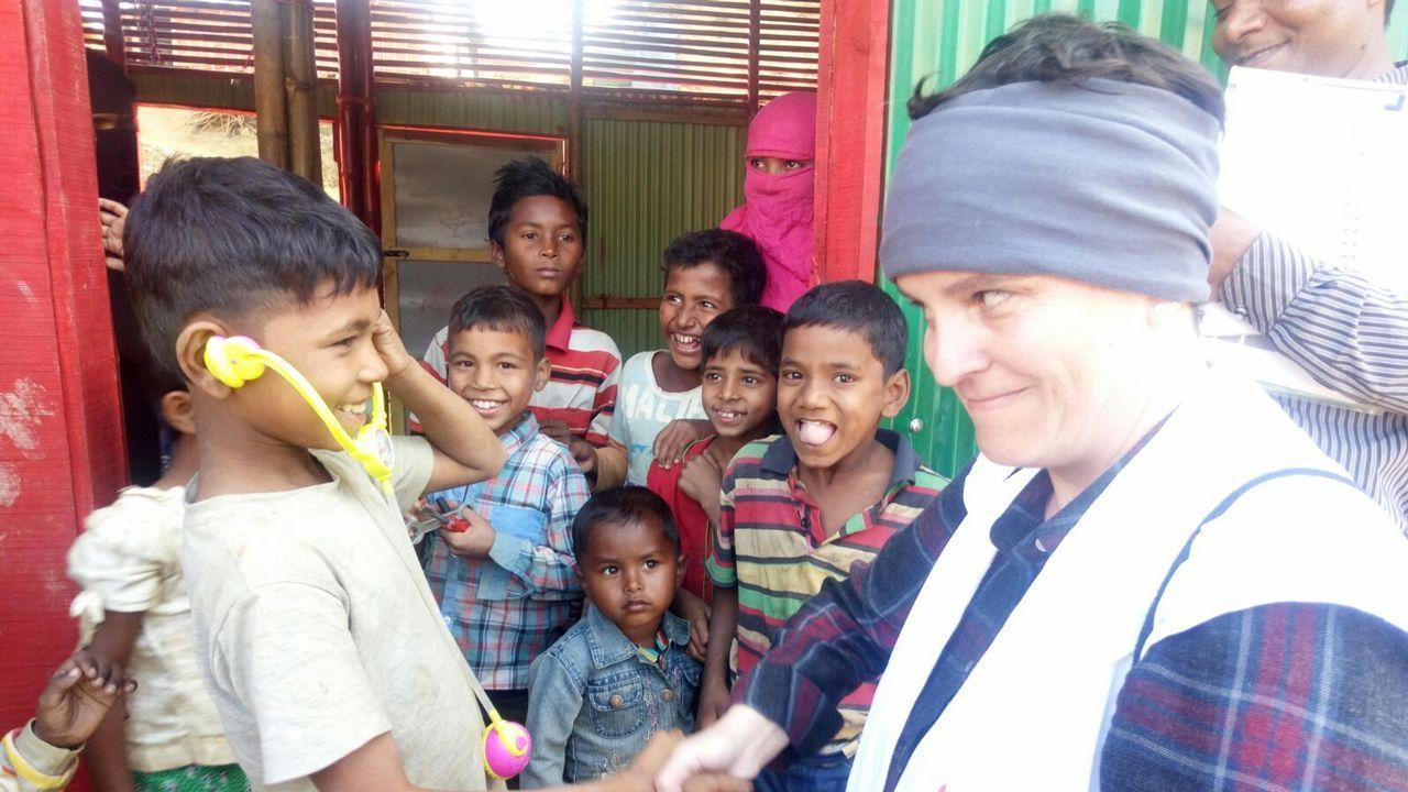La compostelana Patricia Trigales trabaja desde hace un mes en Bangladés