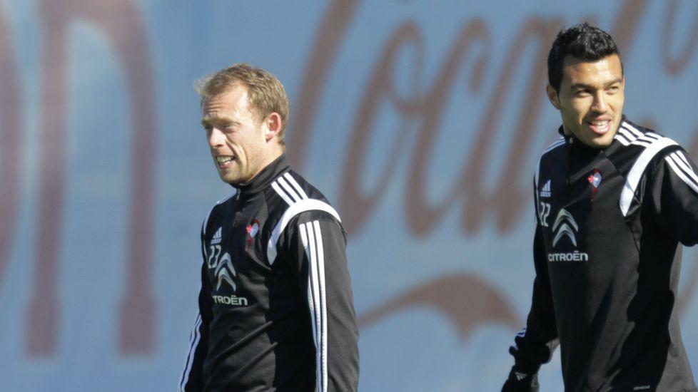 Krohn Dehli, con Cabral, en el entrenamiento del viernes