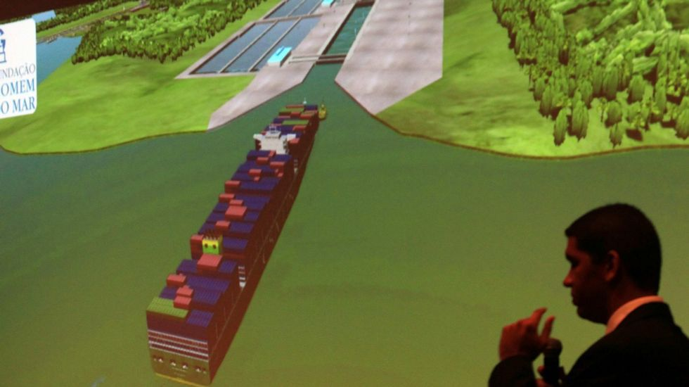 En primer término, los terrenos donde se ubicará la estación de autobuses de la intermodal.