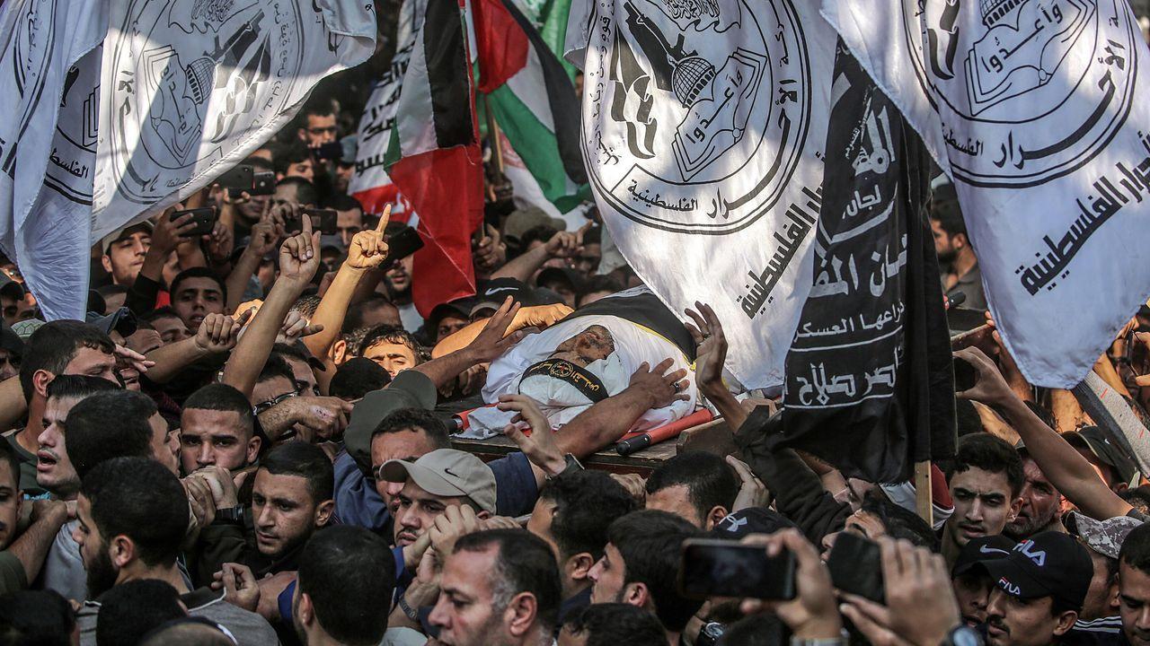 Multitudinario funeral por el comandante de la Yihad Islámica, Baha Abu al-Ata, asesiando por Israel