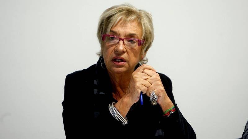 Rosalía Mera, una vida en imágenes.Tubío destaca el interés suscitado por la experiencia de trabajadores sociales en el accidente del tren.