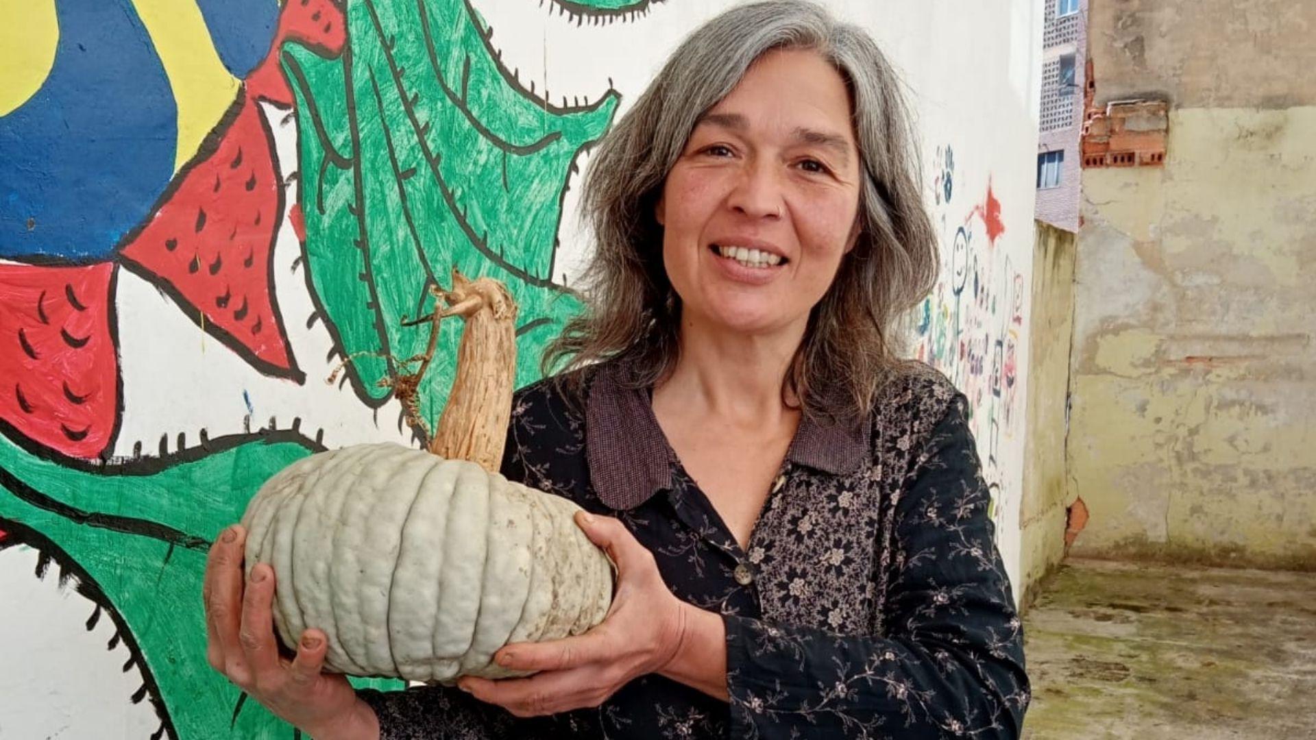 Laura Ibarra, agricultora ecológica en Lena y autora de «Diario de una campesina»