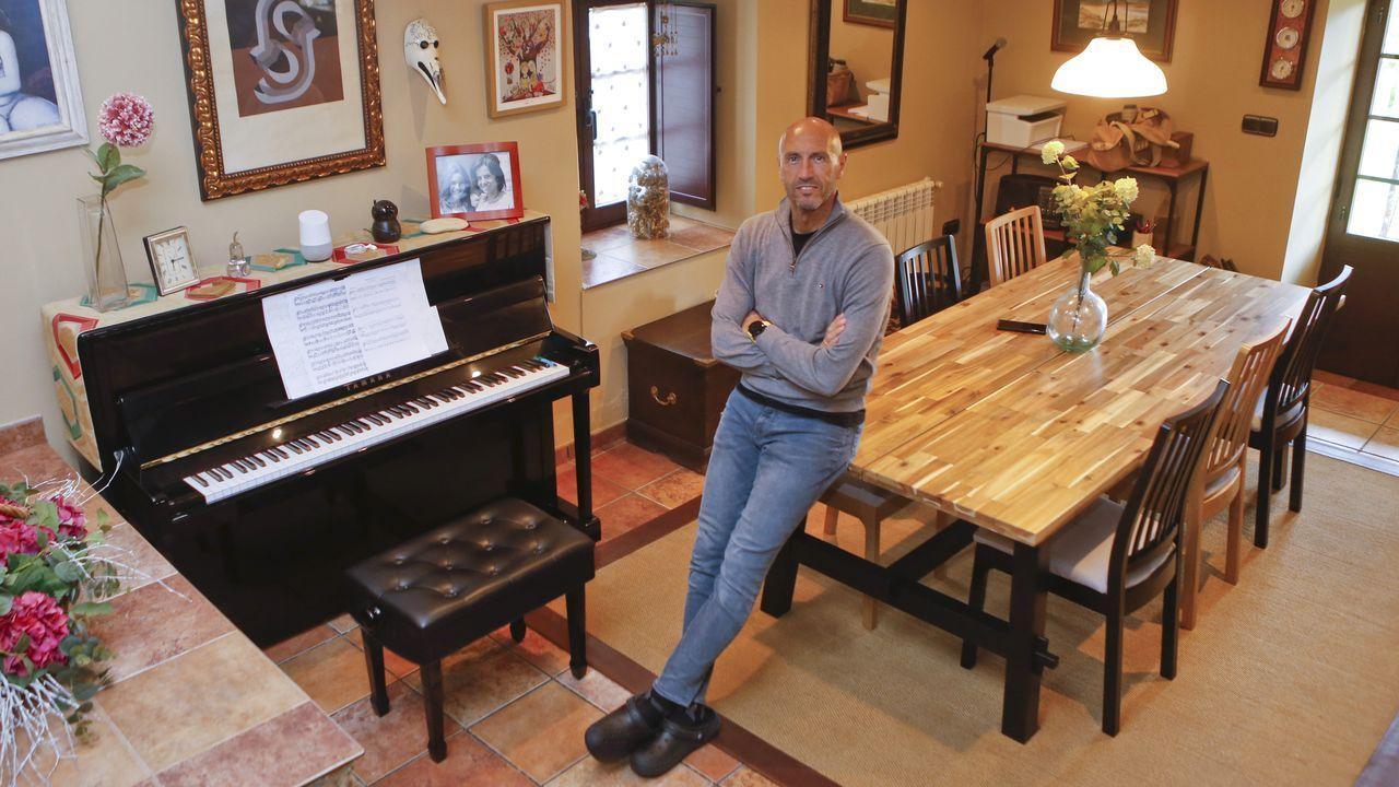 Manolo Pardo y su familia acogerán a uno de los concursantes en su casa de Mandiá, donde también pondrán a su disposición un piano