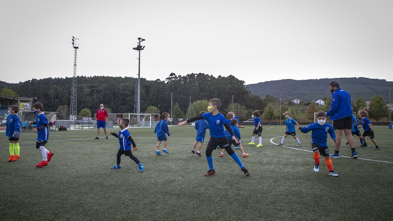 Sanidade informó que se ha detectado un nuevo positivo en el colegio Ramón de Artaza de Muros