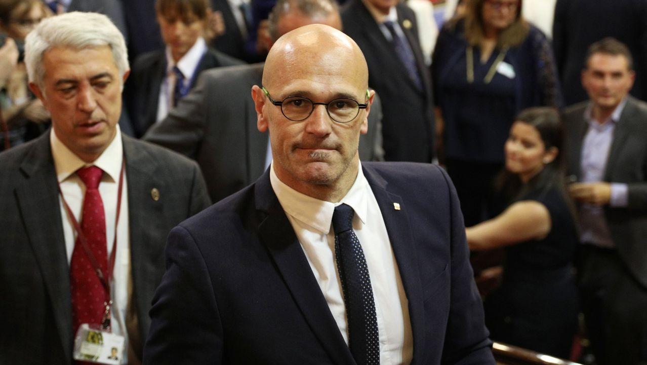 Nueva jornada de movilizaciones en las calles de Barcelona.Raúl Romeva, exconsejero de Asuntos Exteriores, ha sido condenado a 12 años de prisión y 12 de inhabilitación absoluta por delito de sedición en concurso medial con un delito de malversación de fondos públicos agravado en razón de su cuantía.
