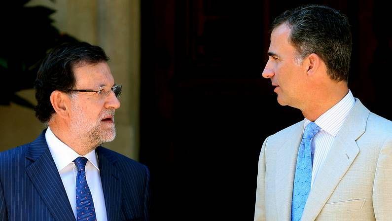 Rajoy: «En España hay mucha gente que tiene que cascarle al Gobierno».El jefe de Estado Mayor del Ejército, Jaime Domínguez Buj, en el centro, durante unas maniobras en el 2012.