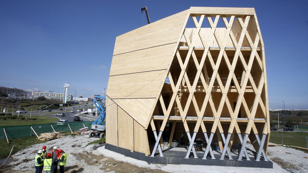 Una de las fachadas está formada por una gran galería, al modo tradicional, que servirá también para climatizar el edificio