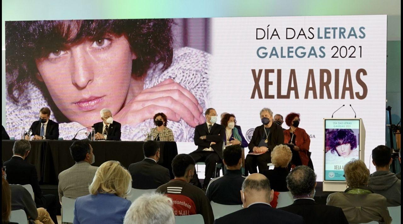 Pleno da RAG en Vigo por Xela Arias