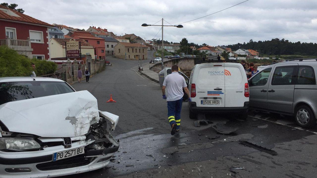 Accidente de tráfico en A Illa.Acto de presentación del Atlantic Fest, este lunes en A Illa