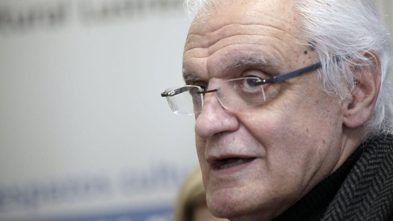 Afonso Eiré ten publicado numerosos libros, como «Memorias dunha vaca marela», «O penalti de Fuco» e «Chantada na historia»