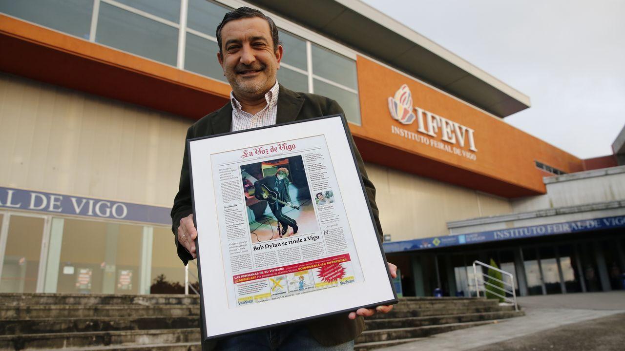 «Con Bob Dylan, Vigo volveu ao circuíto internacional de grandes concertos».En el primer día de venta para su concierto en Santiago, Maluma despachó 3.500 entradas