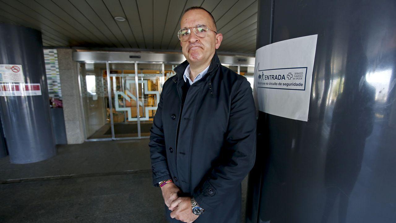 Entrada del servicio de urgencias de Montecelo, en Pontevedra. En este hospital hay once pacientes de covid en planta y dos graves en la uci