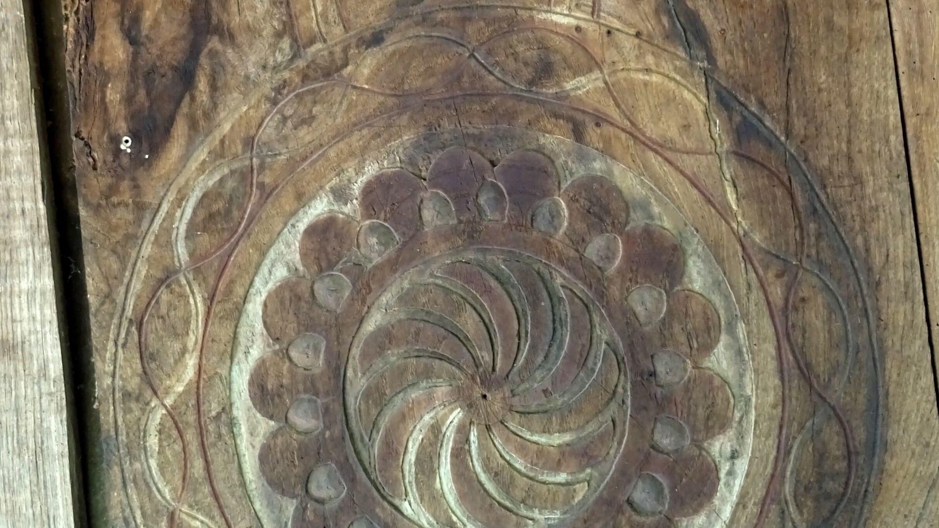 Esta panera destaca precisamente por tallas como este radial