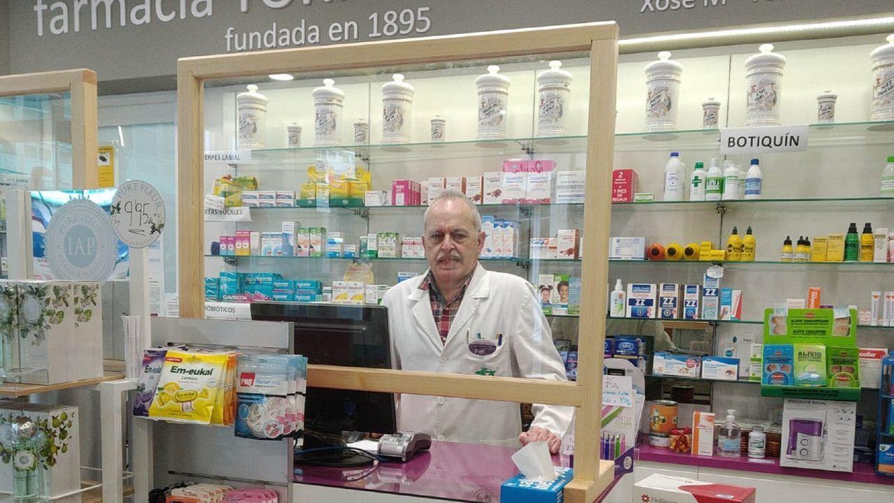 Jordi Sevilla (Valencia, 1956) fue secretario de Política Económica del PSOE entre el 2000 y el 2005 durante la primera etapa de Rodríguez Zapatero en el PSOE y posteriormente, ministro de Administraciones Públicas (2004-2007)