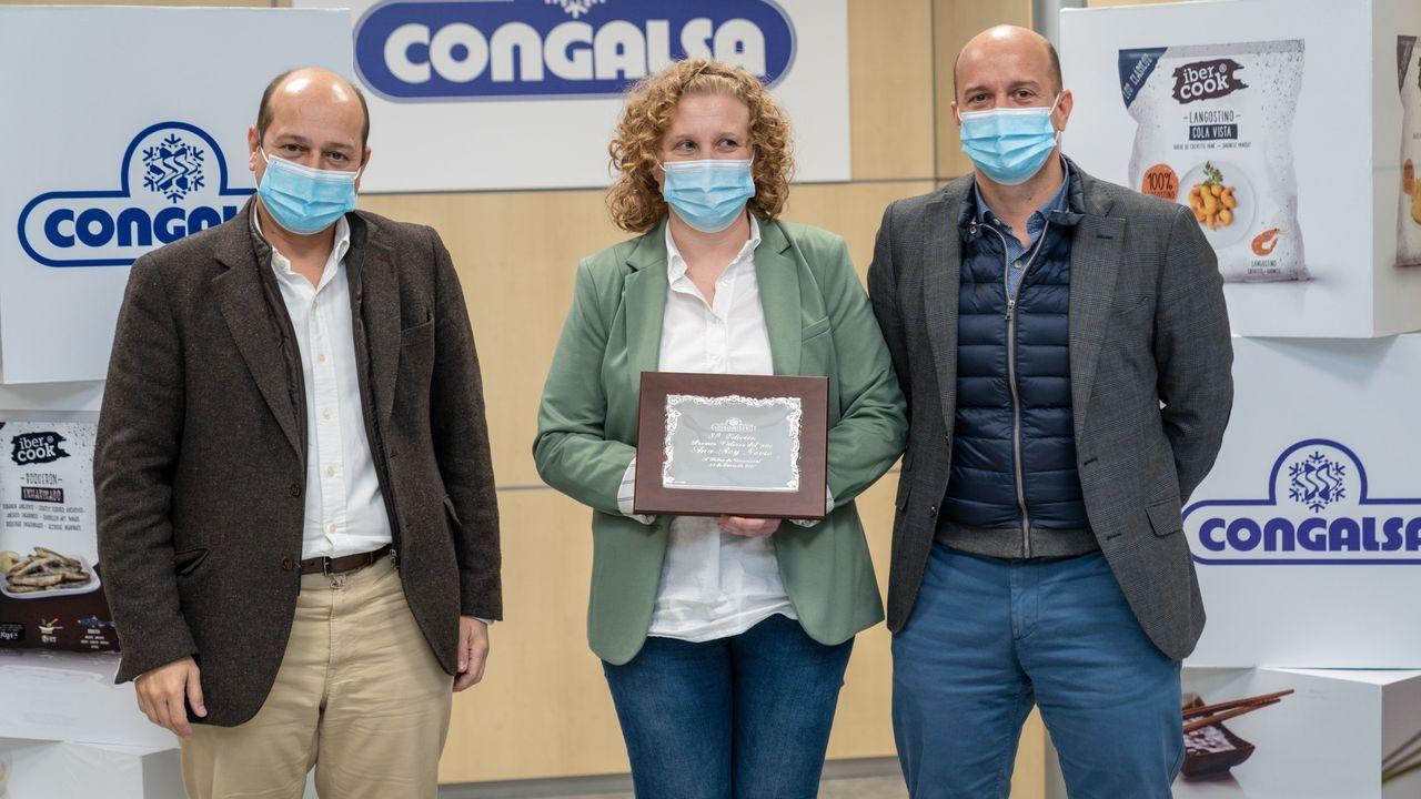 Luis Miguel Simarro, Ana Rey Novío y Julio Simarro, en la entrega del Premio Ramón Doval