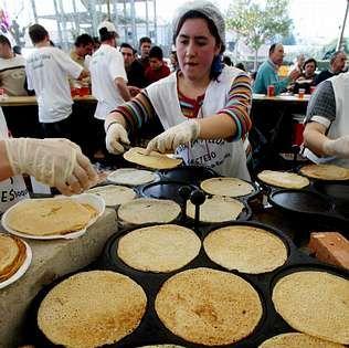 En Lestedo se celebra una de las fiestas más conocidas de la filloa