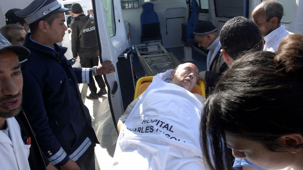Uno de los heridos, en el momento de llegar al Hospital Charles Nicole para ser atendido