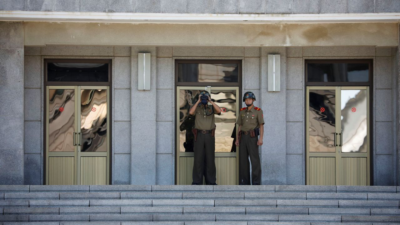 El gigante King Kong ruge con acento de Cedeira.Fotografia distribuida por el ministerio de Defensa de Corea del Sur