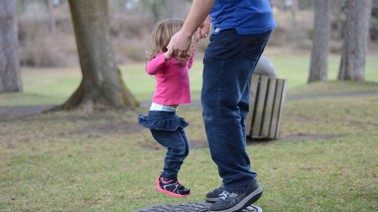 Los hijos y las relaciones sentimentales son las dos cosas que más felicidad producen a los españoles