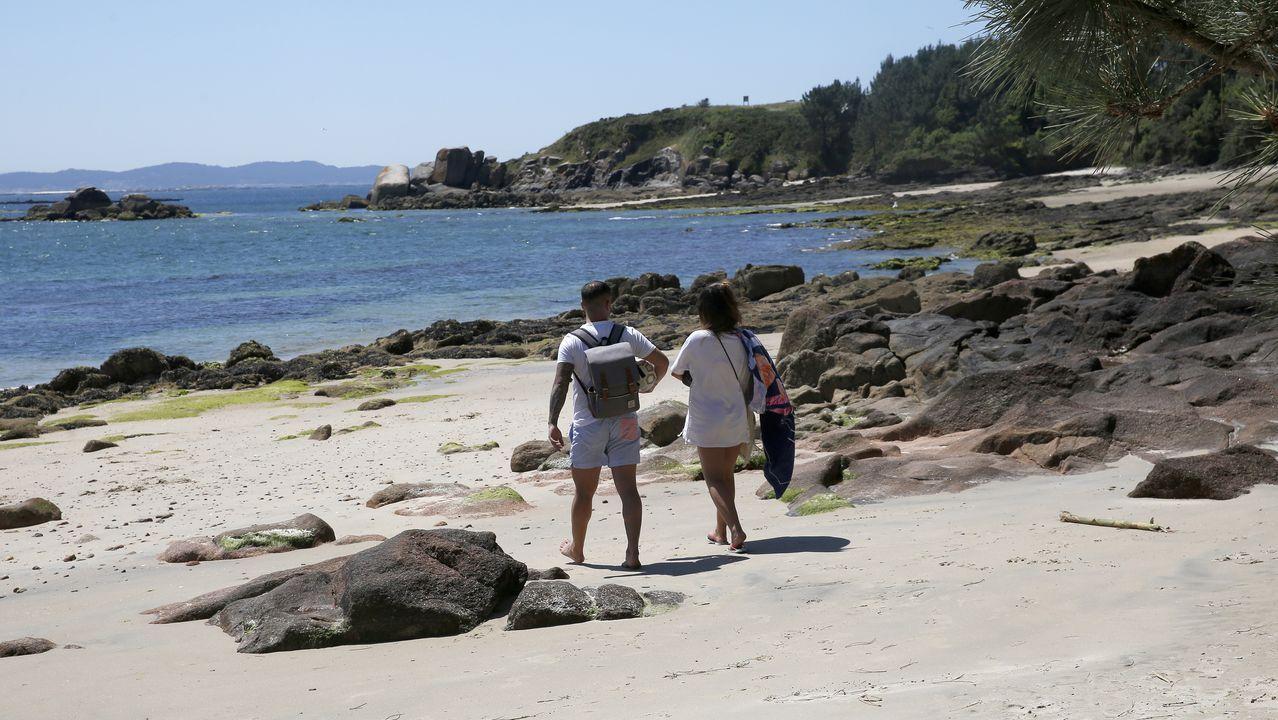 Playa de Niñeiriños de A Pobra, donde se lesionó un joven