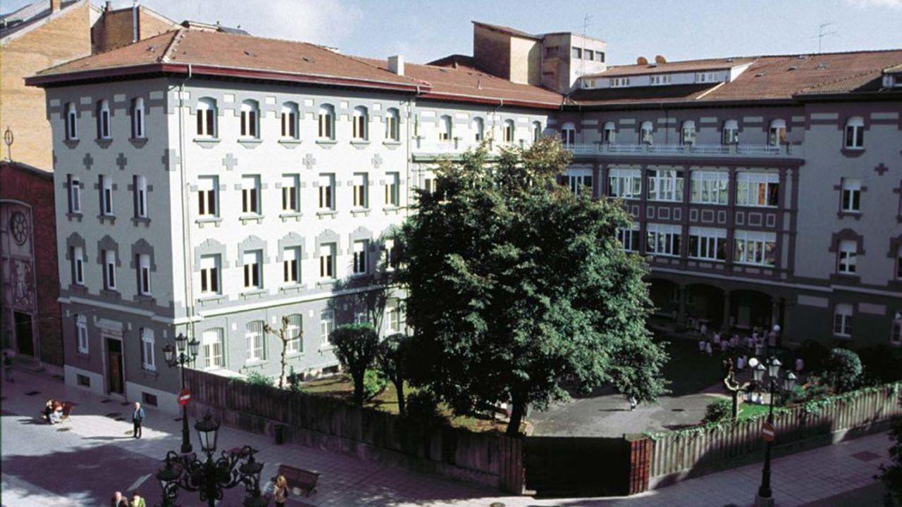 Colegio Dulce Nombre de Jesús, Dominicas, de Oviedo