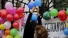Protesta por los recortes en educación en un centro de A Coruña