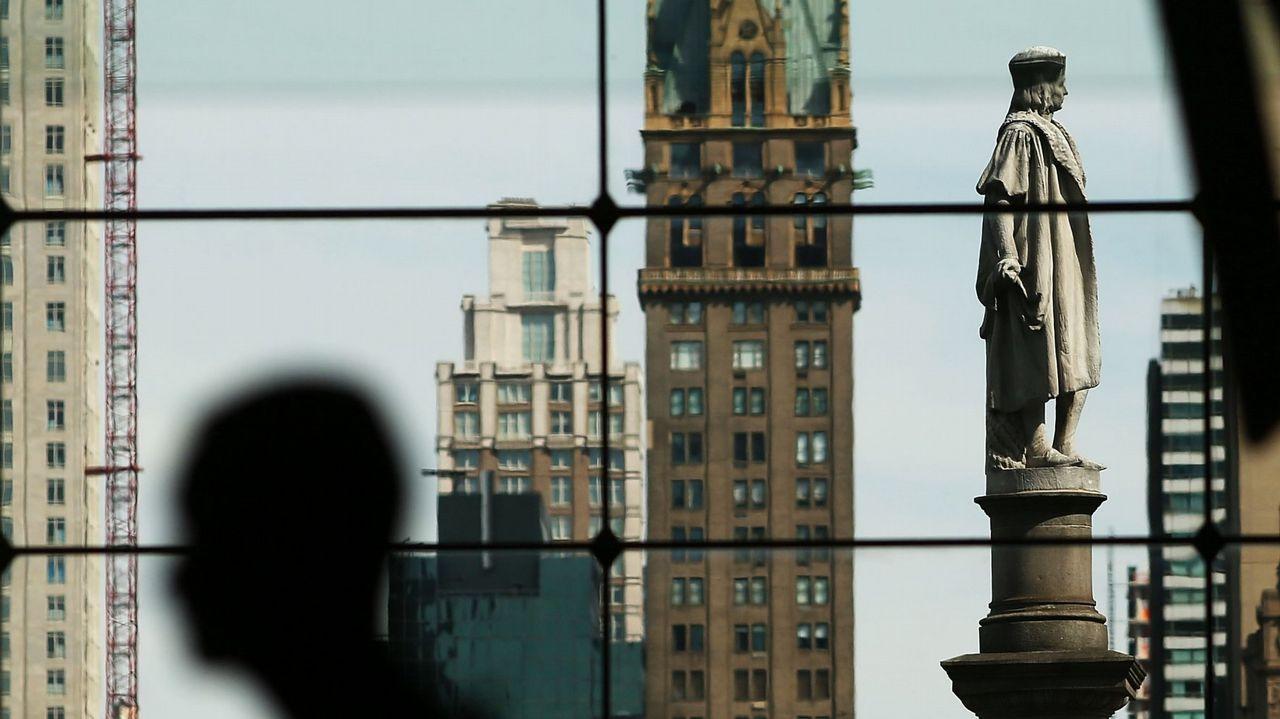Imágenes en directo de los incidentes en Nueva York.Tom For, después de recibir el Gran Premio del Jurado en el festival de Venecia del año pasado.