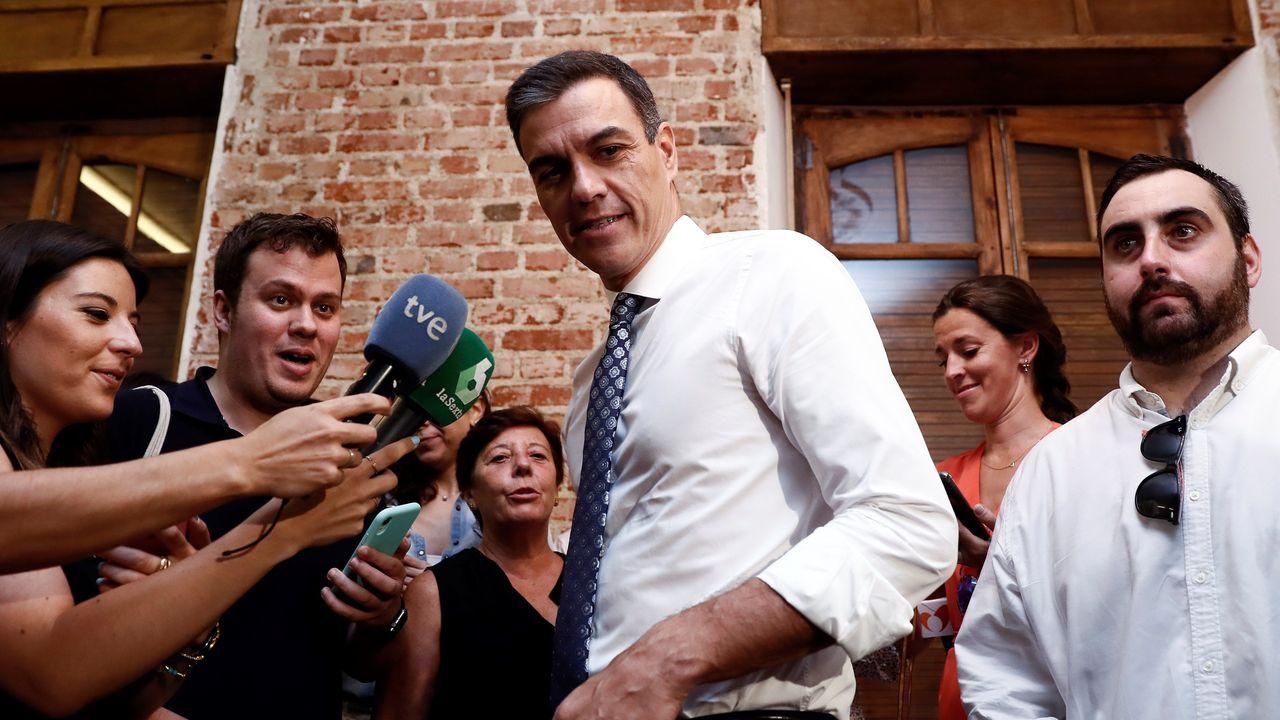 Sánchez pide «responsabilidad» a sus rivales políticos.Un escuadrón romano, ayer, ante el stand del Ayuntamiento de Gijón en la Feria de Muestas, que recrea el pasado romano de la ciudad