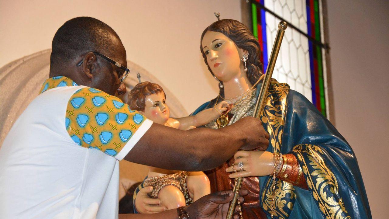 Preparación de la Virgen en los días previos a la novena