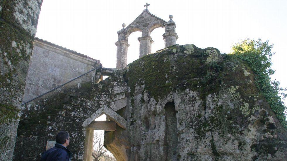 CAMINO REAL DE ROCAS. La ruta, de nueve kilómetros, une la capital del municipio de Esgos y el monasterio de San Pedro de Rocas