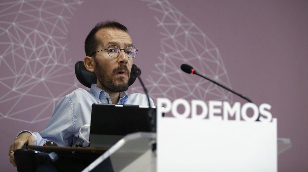 Podemos retirará su moción de censura en caso de que el PSOE presente una propia.Javier Fernández y Jesús Gutiérrez
