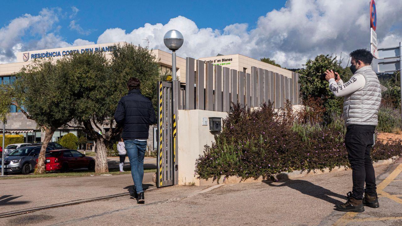 La residencia DomusVi de la Costa d en Blanes de Calvià (Mallorca) tras detectar un brote que afecta a 55 de sus 110 usuarios y a 14 trabajadores
