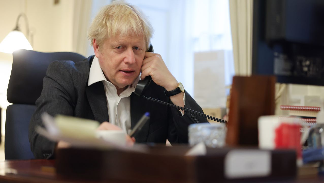 El primer ministro británico, Boris Johnson, este domingo en su despacho