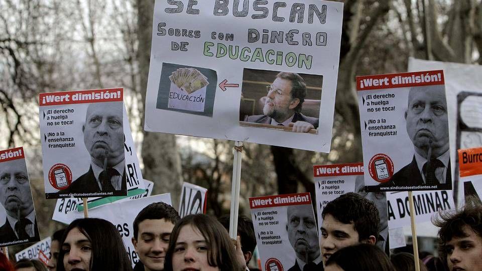 Gala de los Goya 2003 (No a la guerra).El presidente de la Fanpa, Alberto Pita, leyó ayer un comunicado antes de desplegar la pancarta.