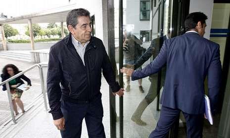El exconcejal del PSOE en Lugo, José Piñeiro, declaró ayer ante la jueza Pilar de Lara.